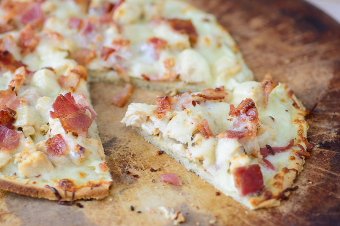 Gluten Free Chicken Alfredo And Bacon Flatbread Pizza Recipe